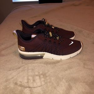 Woman size 6 Maroon Nike Air Max Sequent 4 Utility
